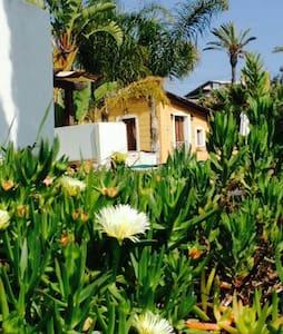 "Dependance ""open space"" in villa vista mare - Agrigente"