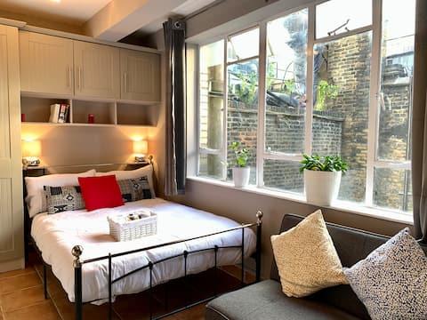 Newly refurbished Soho Apartment 3rd floor 3B
