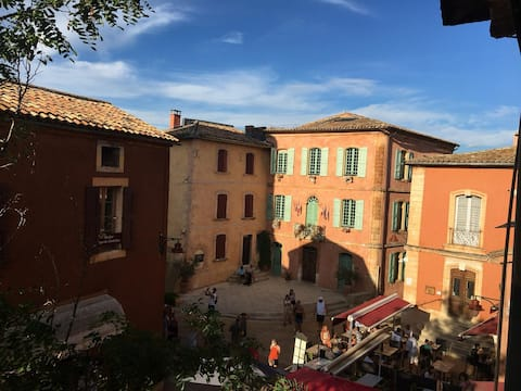 Appartement charmant en plein coeur de Roussillon