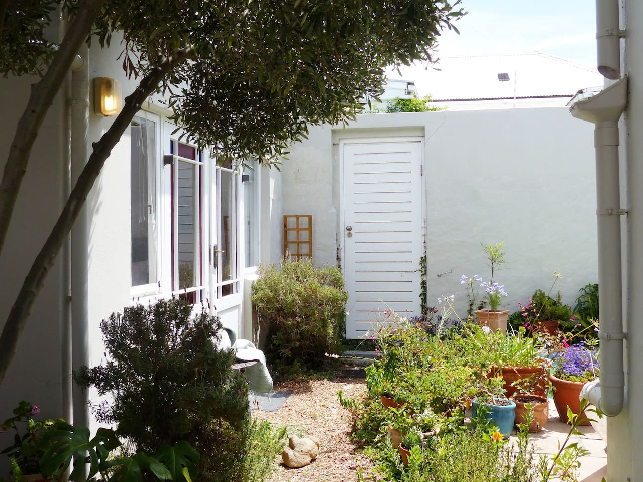 Sunny garden room with separate entrance