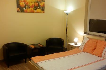 Pokój dwuosobowy - Bytom - Appartamento