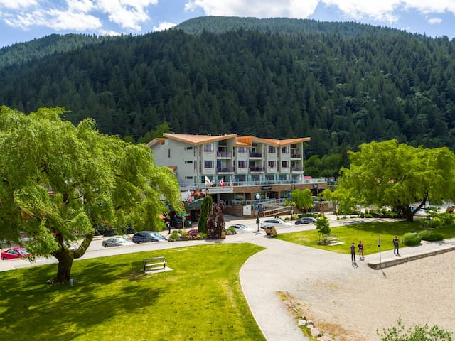 Boutique Accommodation in Harrison Hot Springs
