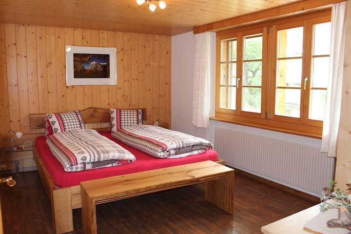 Schlafzimmer Eiger liebevolle eingerichtet