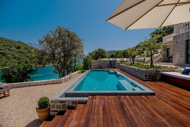 Luxury Villa Korcula Feodora with private heated pool and gym at the beach on Korcula island