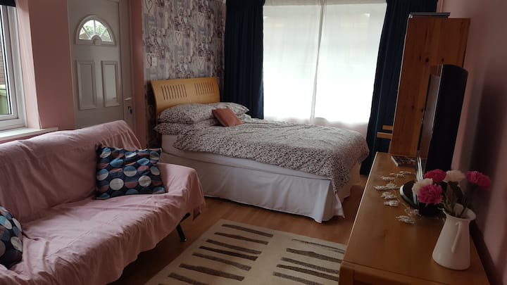 Room with EV charging, near to Doncaster Airport
