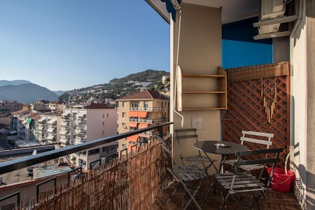 HOLIDAYS SEAVIEW APARTMENT 6TH FLOOR WITH PARKING - Ventimiglia