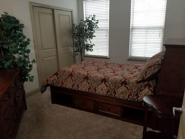 Cherry Bedroom in Luxury Condo on Jax. Beach Side