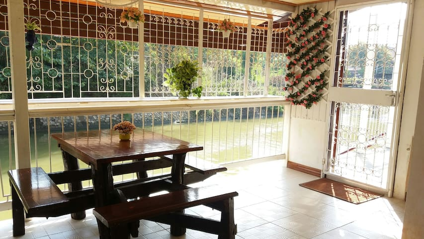 Double room with terrace by the river & free bike - Phra Nakhon Si Ayutthaya - Casa