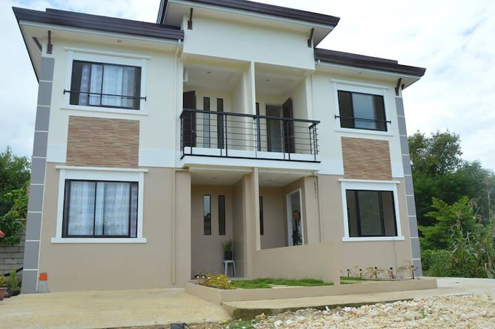 Brand new budget Duplex Apartment Bantayan Unit 1 - Bantayan