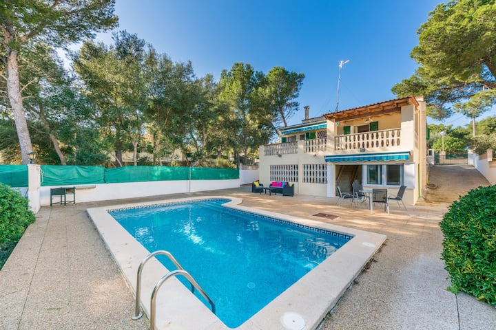 Es Niu: Nice house with pool near Port Adriano