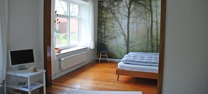 NEU und Stylisch -  Waldzimmer mit Bad