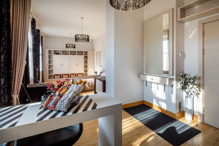 Tiare Luxury Apartment in the Quiet City Centre