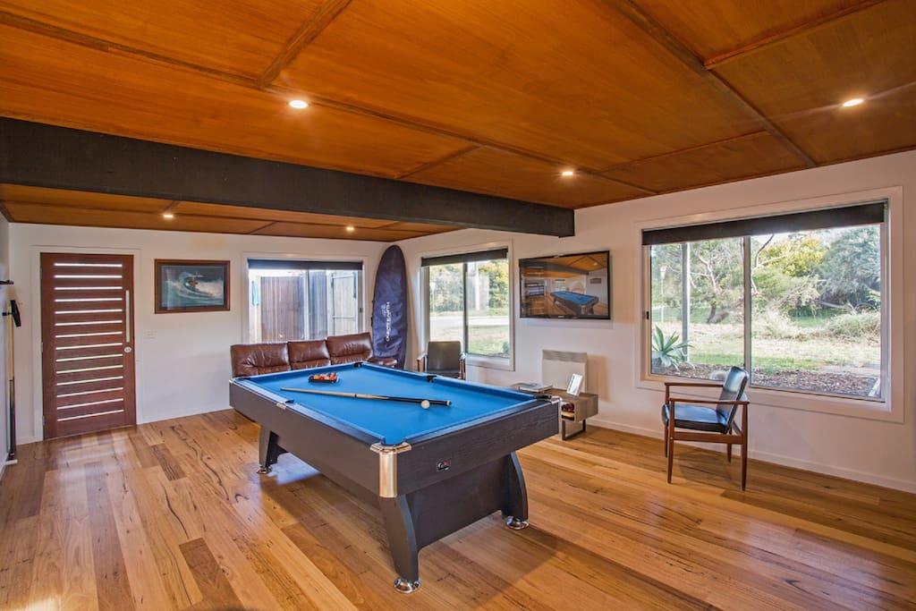 Woolamia family beach house sleeps 12 houses for rent for Beach house designs phillip island