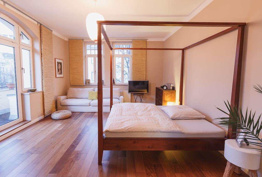 zimmer in sch ner altbauwohnung im bismarckviertel wohnungen zur miete in augsburg bayern. Black Bedroom Furniture Sets. Home Design Ideas