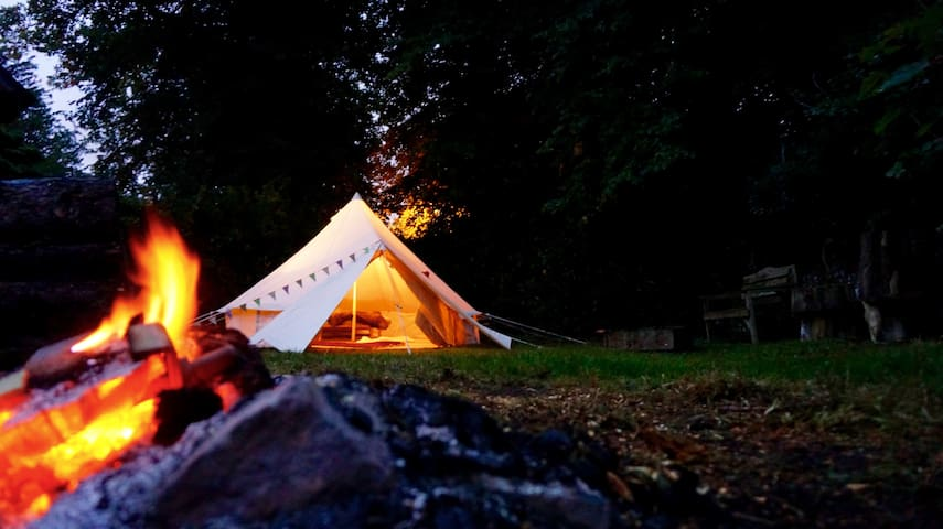 Bell Tent Glamping, Romantic Location, Brighton