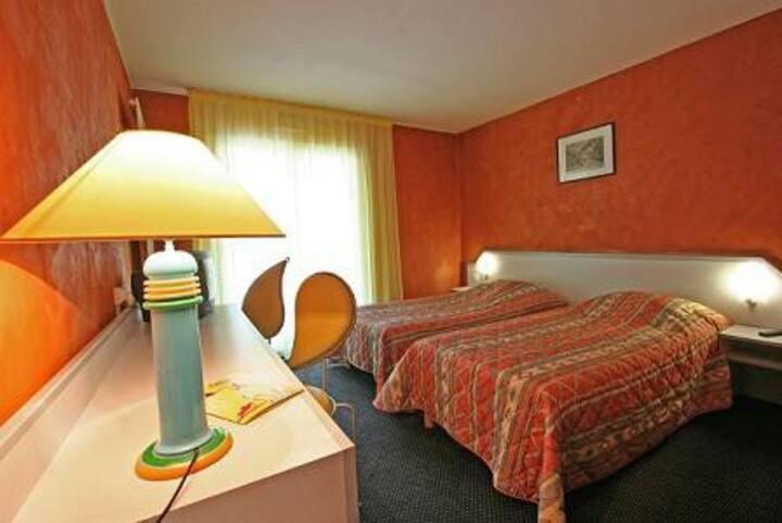 Chambre pour 2 personnes avec acces  balneo