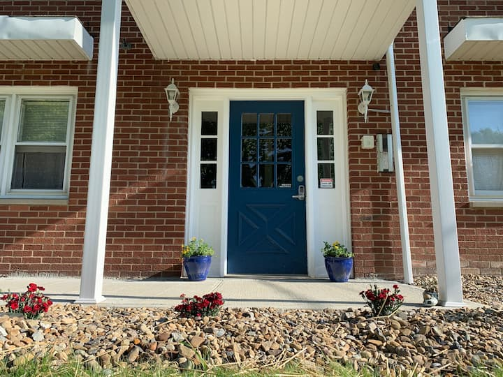Cozy Condo with Amenities - Boardman Twp