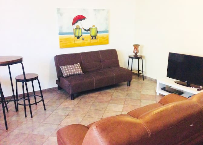 Apartamento nuevo,  planta baja con airco y jardín