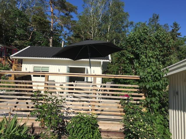 Gästhus med havsutsikt nära Ljungskile-Uddevalla