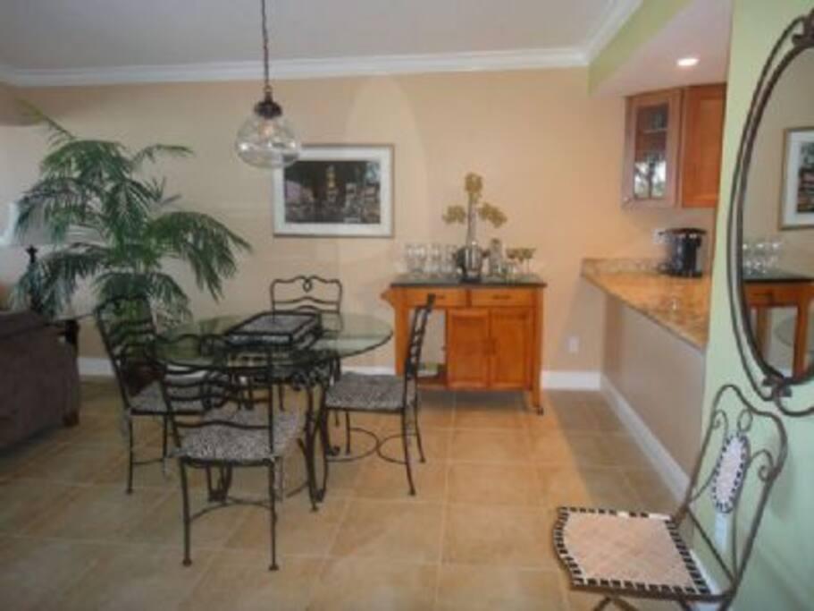 Dining Room,Indoors,Room,Furniture,Floor