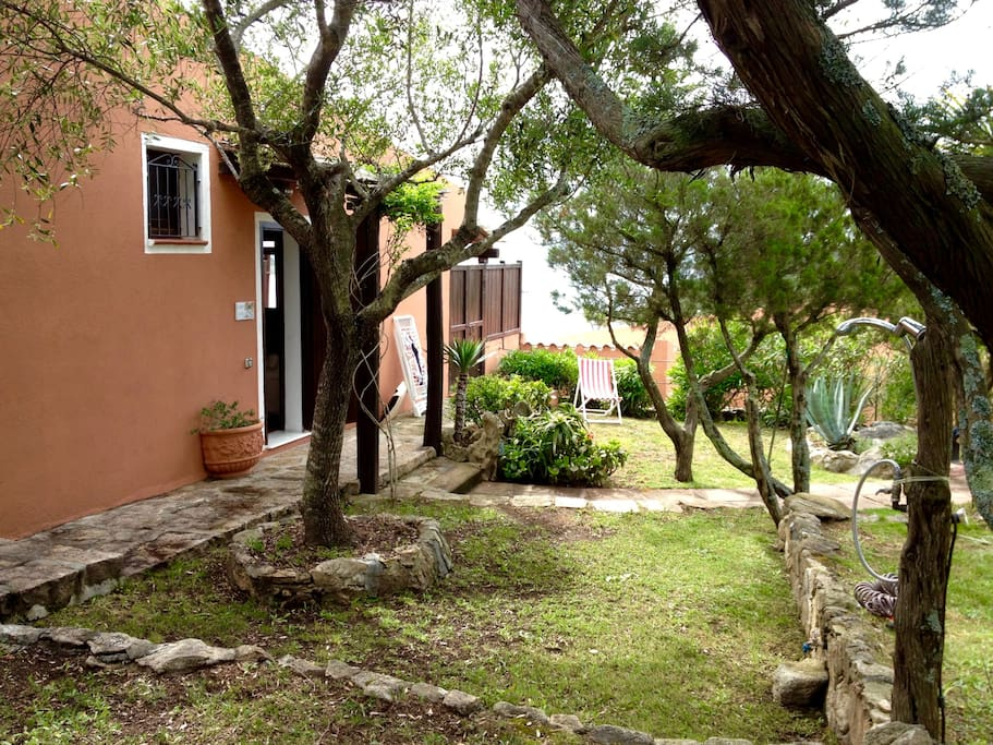 L'ingresso della casa - The entrance of the house