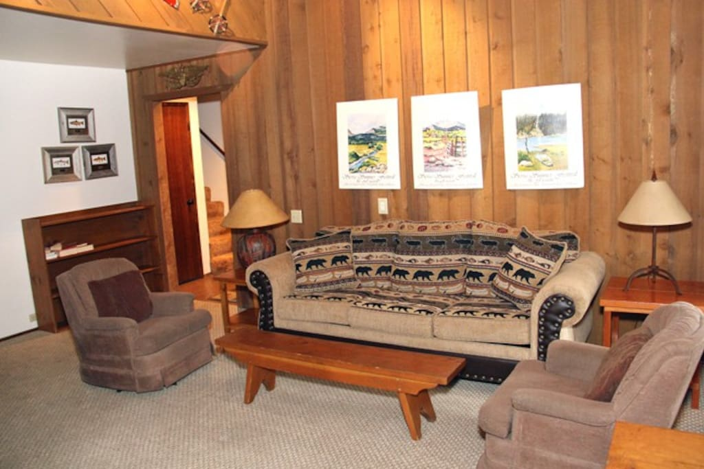 Mammoth Lakes Vacation Rental Sunshine Village 138 - Cozy Living Room