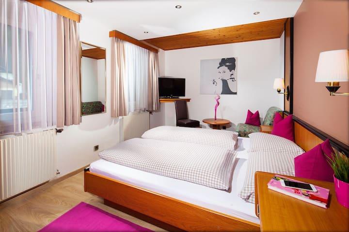 Doppelzimmer mit Frühstück südlich von Salzburg
