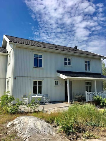 Big family house in the archipelago, 25 min city