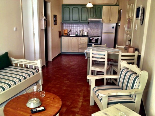 Kiki Apartments-Apartment with garden view patio - Fiskardo - Appartement
