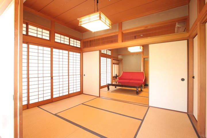 Japanese style home near station みやじま対岸 和の宿 りふれほーむ