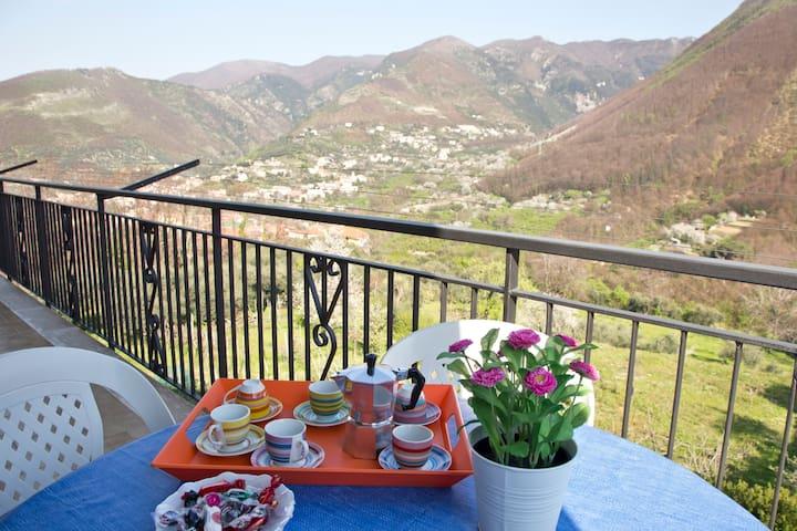 colazione all'aperto - balcone