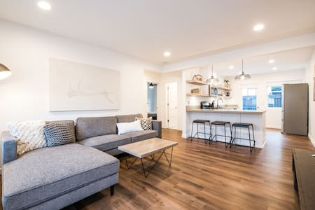 Modern, Minimal Suite S Oside -The Coast Concepts
