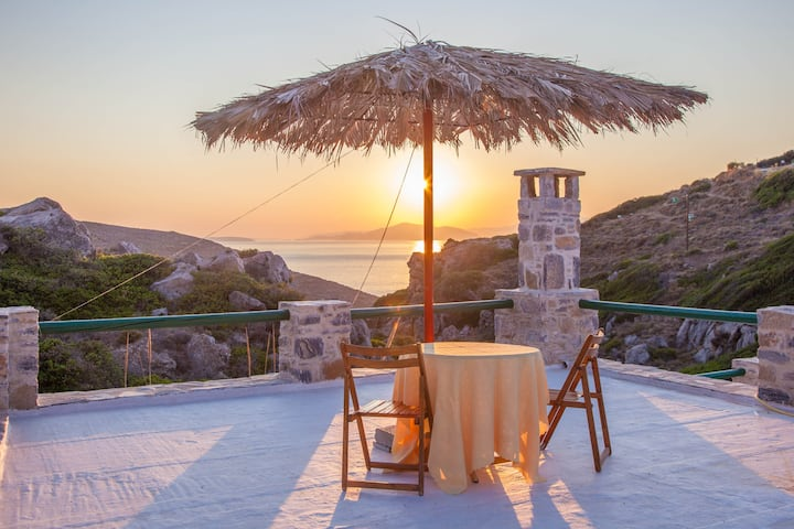 Remote & romantic cottage in Amorgos island