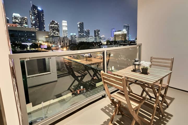 Downtown Los Angeles Apt w/ Best View +FreeParking