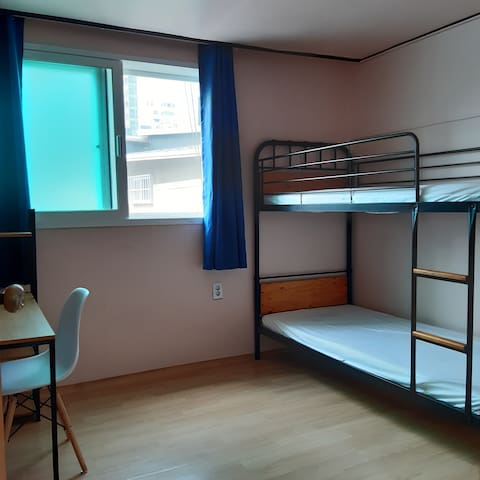 Room nearby Sejong Univ. (Subway Line 7)