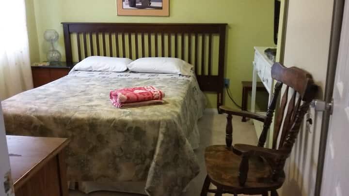 Bed & Breakfast  @ 403 & Winston Churchill