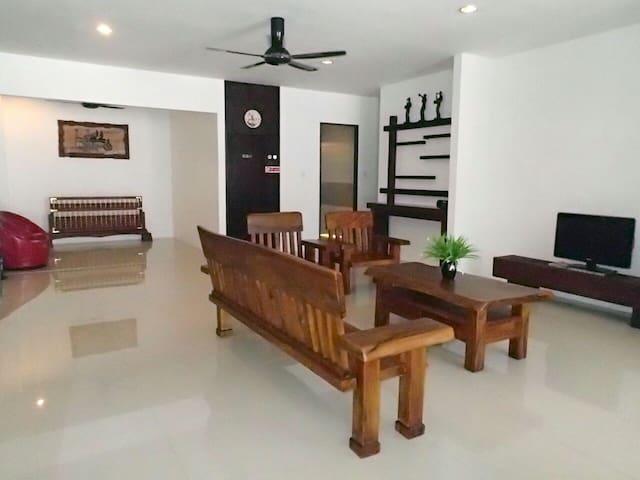 Luxury Holiday Home - Kuching