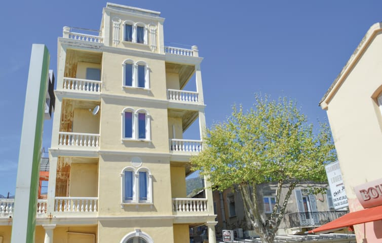 Holiday apartment with 1 room on 29 m² in Bastia