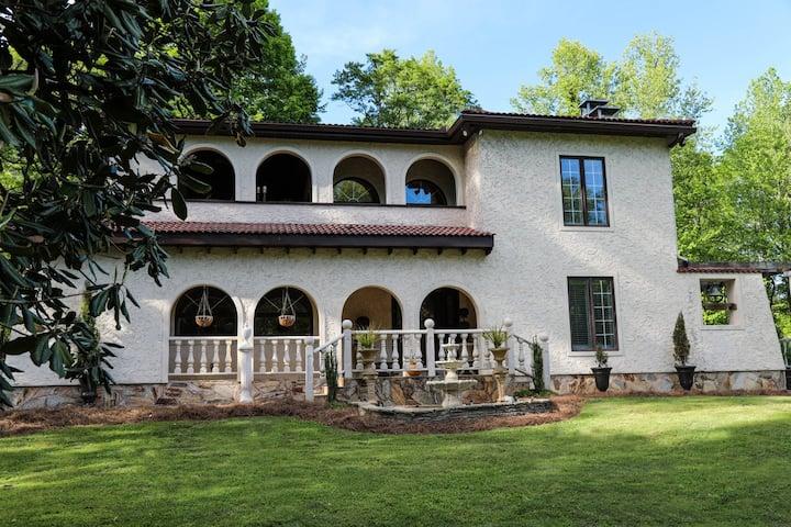 Edgewood Estate - Lakeside Mediterranean Mansion
