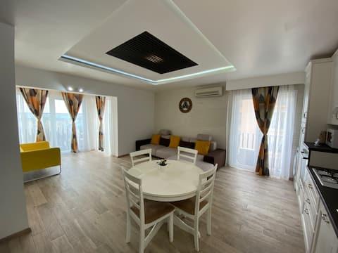 Sunny Deluxe Apartment  Cosmopolis