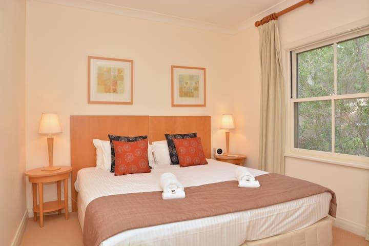 Villa 2BR La Provence, Cypress Lakes