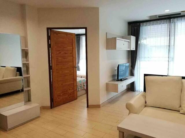 A.阿芭尼酒店式公寓~家庭套房502(1大床.2单人床)