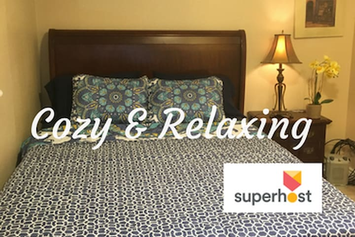 Cozy & Relaxing w/Queen Bed & private Entrance