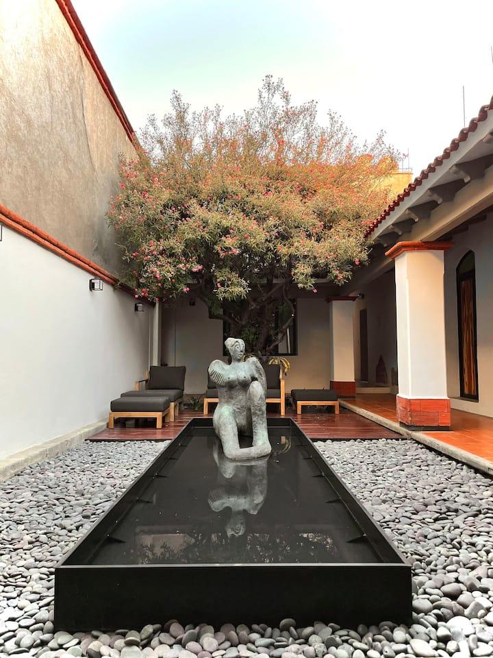 Las Magdalenas/The luxury art house