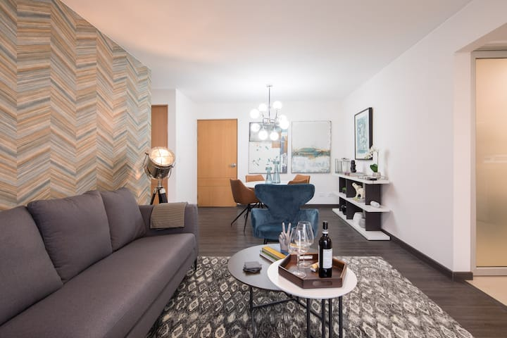 Lujoso apartamento en San José. Cond 6-30