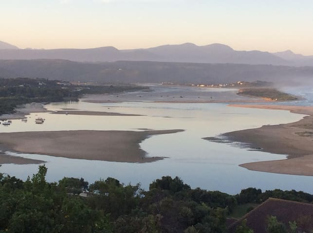 The View  - Includes on-site housekeeper ! - Plettenberg Bay