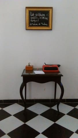 hermosa casa cultural abre sus puertas a viajeros - Adrogué - Dům