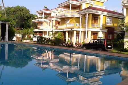 Luxury villa 500 meters to beach