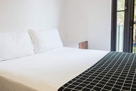 Modern Double Room Ensuite - Autre