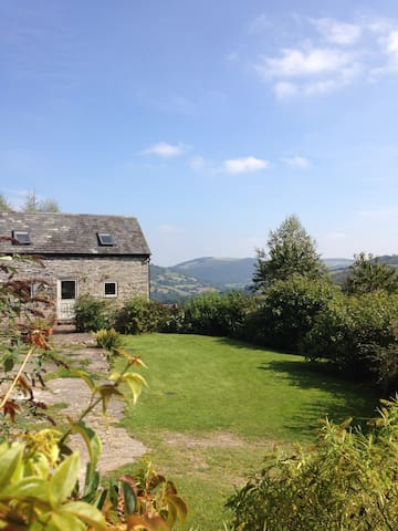 Cefn Bach, charming cottage in a super location. - Glyn Ceiriog - House